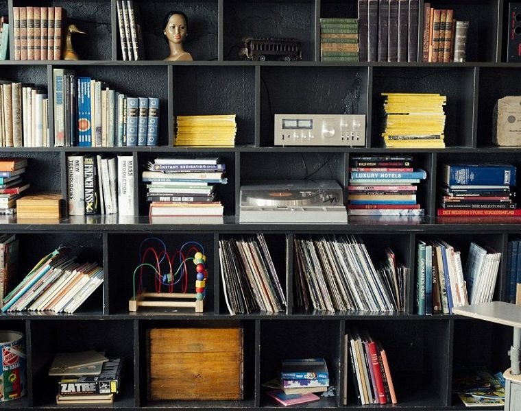 Perfect home library and bookshelves