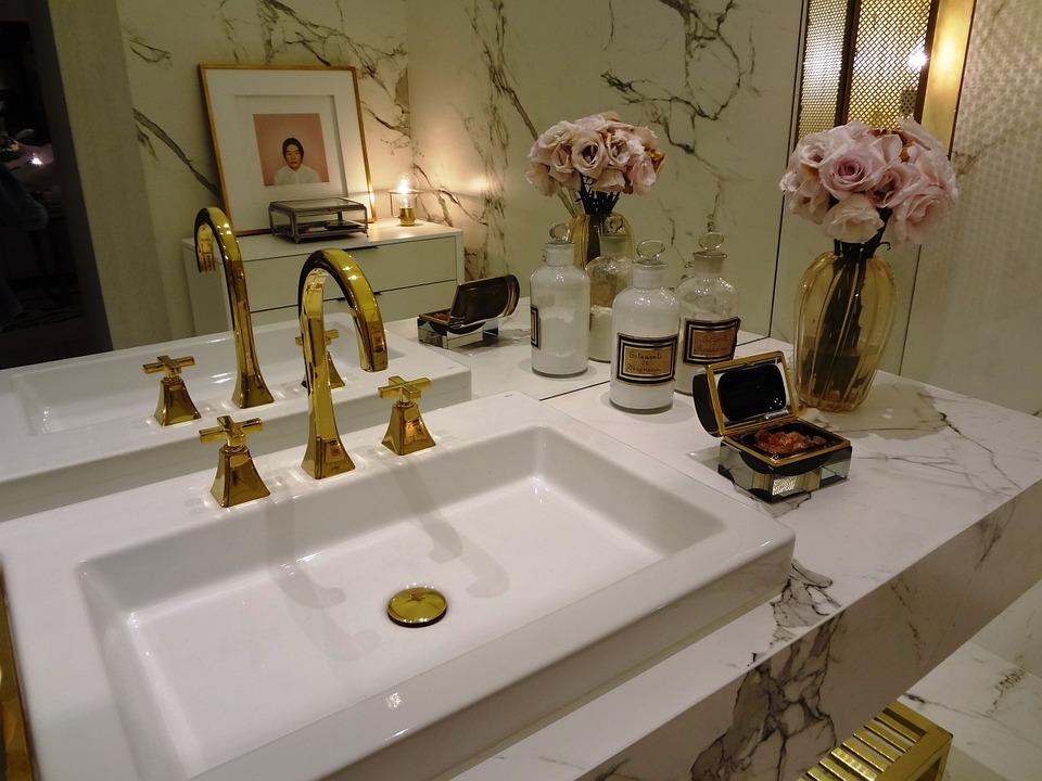 Simple and Sleek Bathroom Vanities