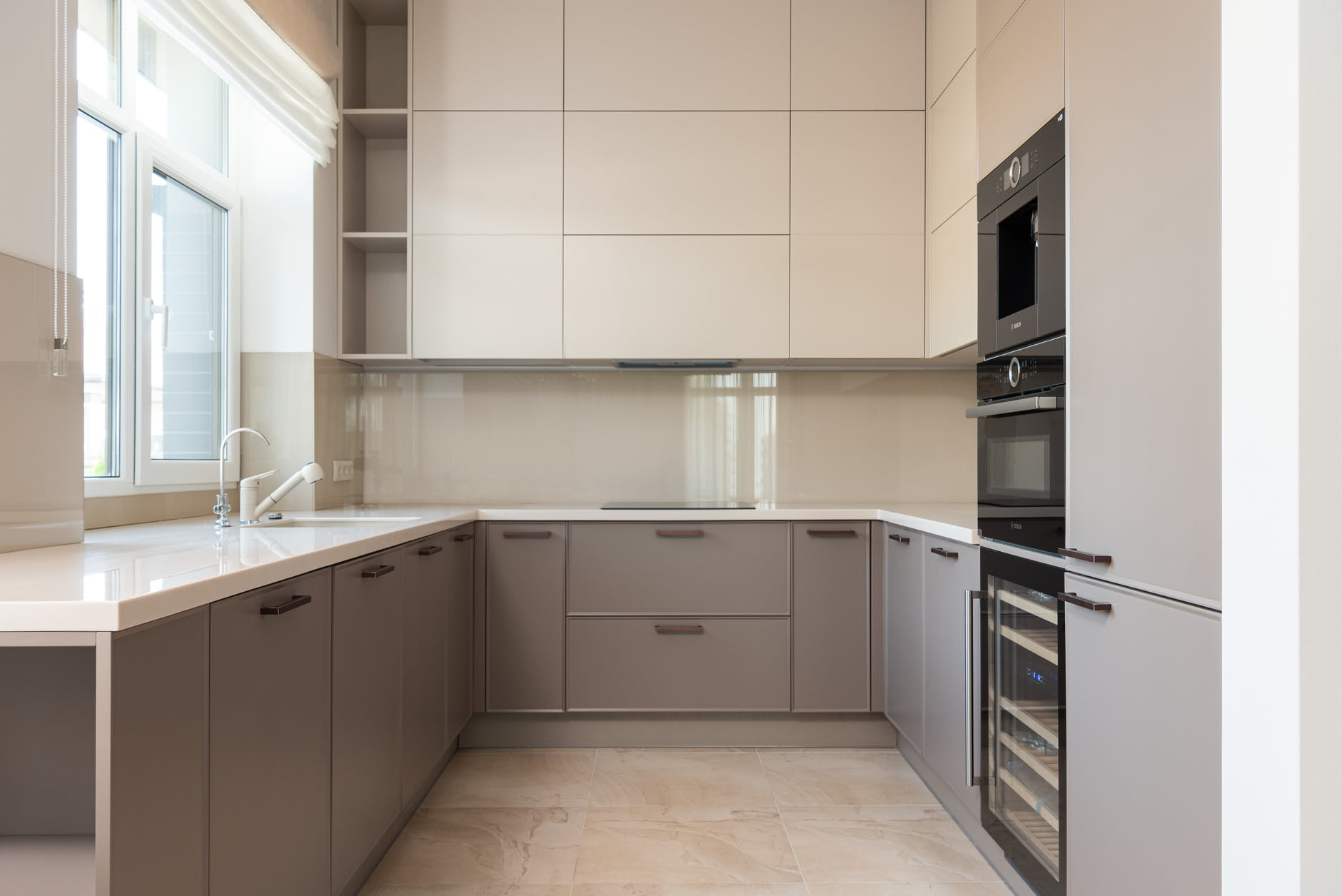 Selecting-the-Right-Cabinet-Hardware